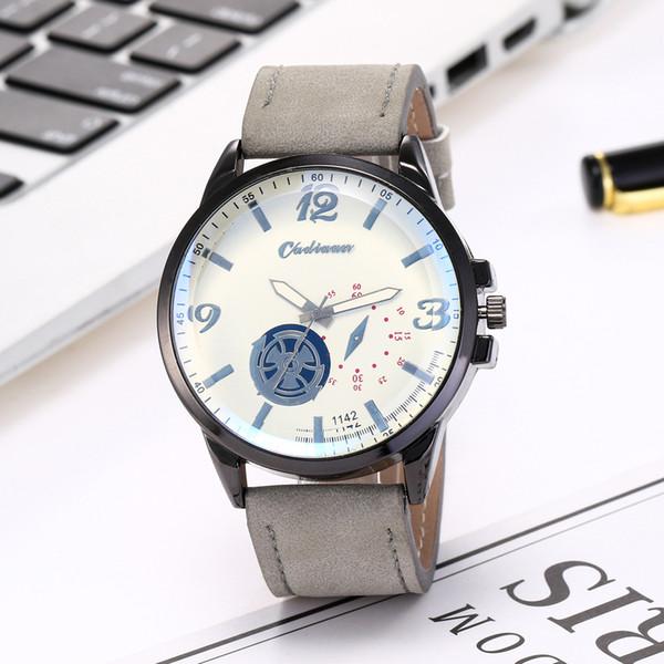 Versión coreana de la moda del popular reloj de pulsera al aire libre para hombres jóvenes y jóvenes, accesorios de moda, reloj de cuarzo
