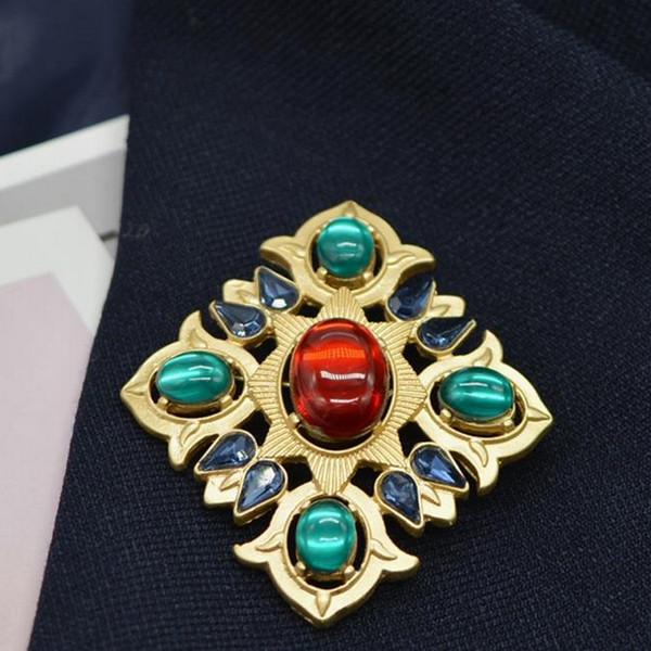 Mujeres Crystal Vintage Broche 5.1 * 4.5cm Retro Cruz Broche Traje Solapa Pin Broche de moda Accesorios de joyería Regalo Epacket Envío