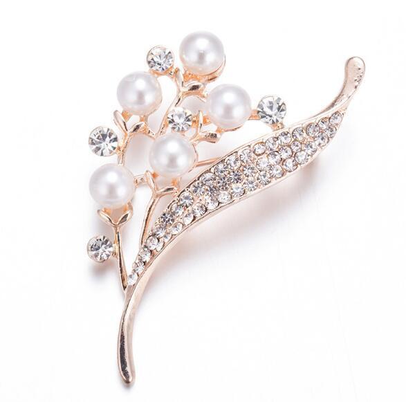 2019 New fashion Luxury Pearl Crystal Brooches Rose Golden Rhinestone Wedding Brooch Elegant Party Dress Flower Corsage Pins Brooches