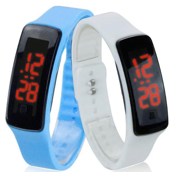 Il nuovo commercio all'ingrosso caldo di sport di modo LED guarda la gelatina degli uomini delle donne degli uomini della gelatina di caramella degli orologi digitali dello schermo di tocco del braccialetto