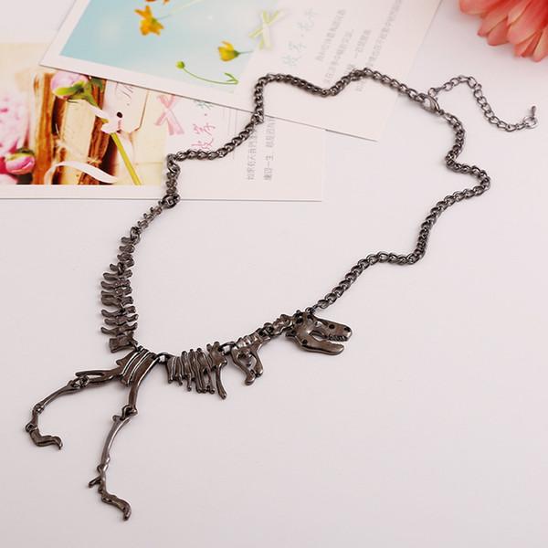 Nueva moda popular pistola negro Europa y accesorios de collar de esqueleto de dinosaurio exagerado estilo elegante joyería de niña