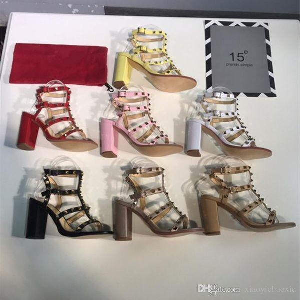 Femmes Sandales Designer Chaussures Femme Designer Studs talons hauts sandales femmes robe Chaussures valentine talon haut Chaussures Avec boîte
