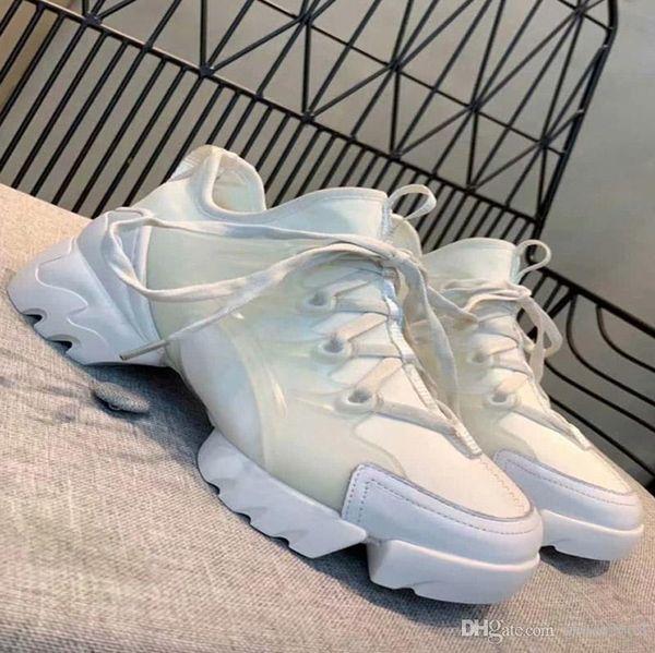 Diseño de moda de zapatillas de deporte transpirables y que absorben el sudor para el calzado casual de mujer con suela gruesa antideslizante y resistente al desgaste.