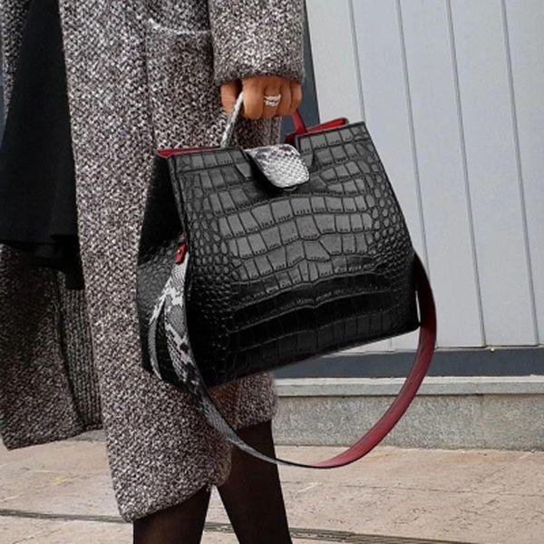 Moda de Alta Qualidade Sexy Boa Padrão Em Relevo Senhora De Couro Ombro Crossbody Bolsas de Designer de Mulheres Mensageiro Saco Totes D175