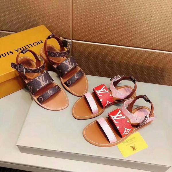 entrega grátis! 2019 primavera e verão novas sandálias de couro de designer de moda feminina flip flops chinelos de flor clássico com caixa