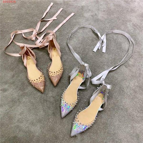 Bahar ve yaz için yeni Perçin elmas ayakkabı zz37, Casual partiler, zz36 düğün iş elbise ayakkabı Strappy düz şeffaf sandalet