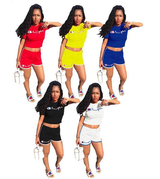 Mulheres Campeões Marca Crop T-shirt Top + Shorts Treino de Verão Shortsleeves Outfit 2 Peça Conjunto de Basculadores Sportswear Clube Street Wears A31310
