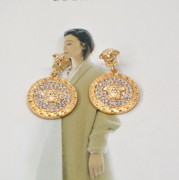 Exaggerated personality full diamond earrings Round lion head ladies earrings Gift fashion accessories