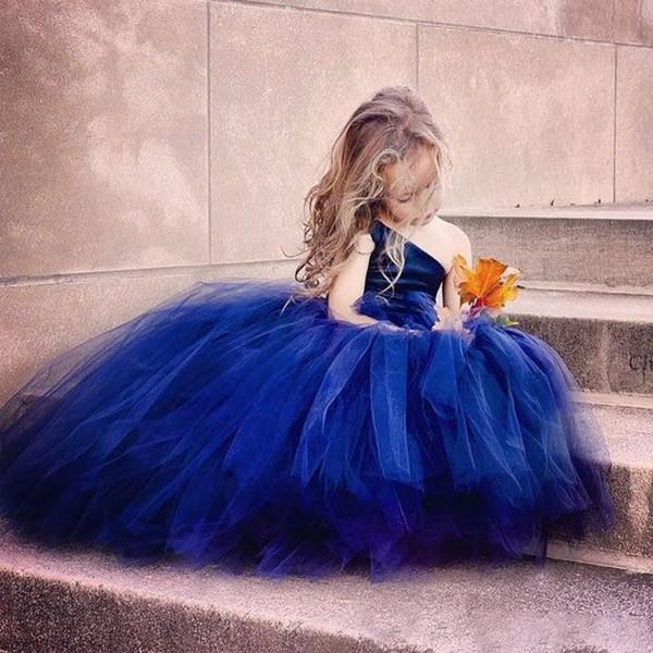 Королевское синее бальное платье для девочек для девочек Pageant Платья из бисера на одно плечо Платье для девочки-цветочки с аппликацией с длинным рукавом Первое причастие