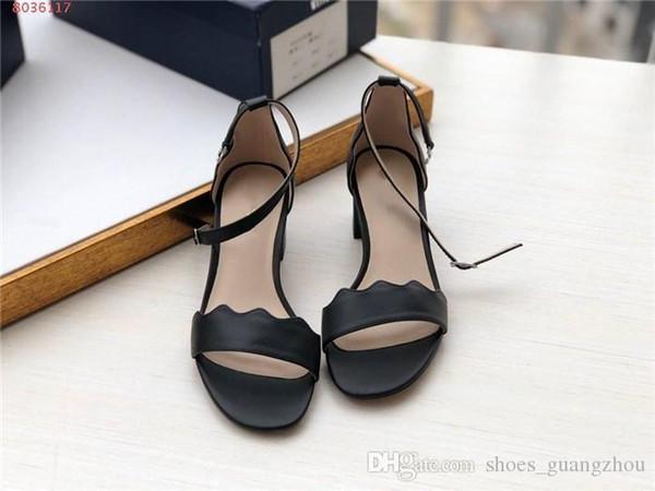 Кожаная сандалия с дизайнерским принтом Нескользящая гладиаторная подошва Толстый каблук Простые сандалии Тапочки Туфли Сандалии на высоком каблуке