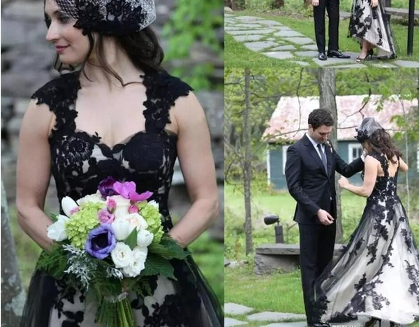 Discount Vintage Black And White Wedding Dress Cap Sleeves High Low Lace Tulle Plus Size Gothic Wedding Bridal Gowns Country Style 2019 Wedding