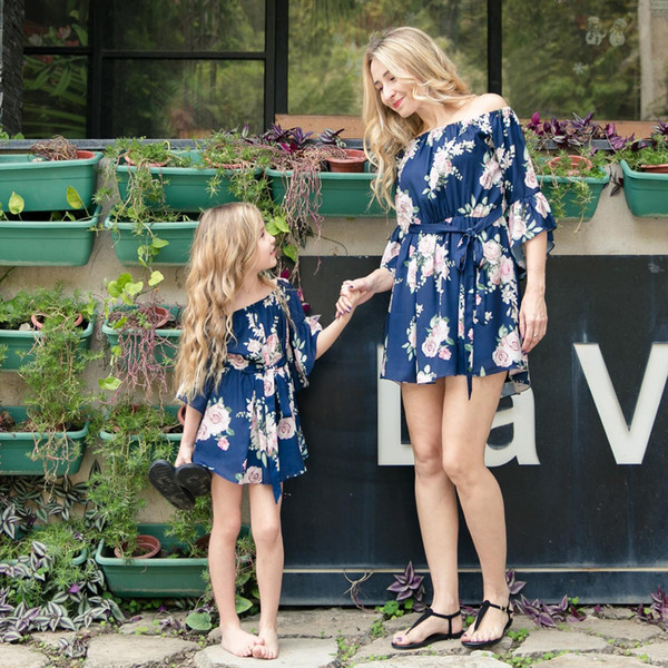 top popular Sweet Family Clothes Mother & Daughter Dress Alikes Father Mother Baby ClothesDress Family Clothes Fashion Casual Soft Holiday Wear wt1766 2019