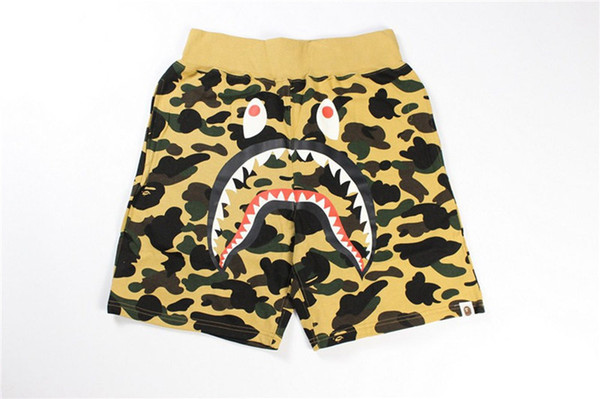 top popular Camouflag Print Men's Outdoor Shorts Fashion Outdoor Camping And Hiking Casual Breathable Cotton Shorts Popular Beach Vacation Shorts 2019