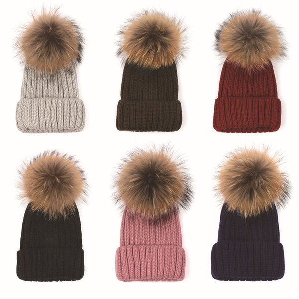 Quality Removable Real Racoon Dog Fur Pom Knitted Acrylic Beanies Winter Head Warmer Fur Ball Hats For Adults Mens Womens Slouchy Snow Cap