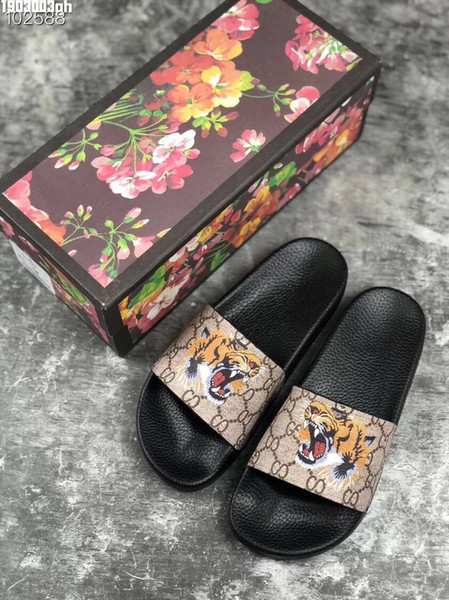 New Luxury Designer Mens Womens Summer Sandali Beach Slide Pantofole di lusso Ladies Designer Shoes Stampa fiori in pelle Bee 36-46 con scatola