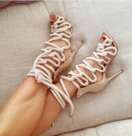Venta caliente-el más nuevo diseñador de la cuerda trenzada con cordones de tacón alto sandalia Sexy punta abierta Cut Gladiator sandalias con tiras botas de vestir de las mujeres