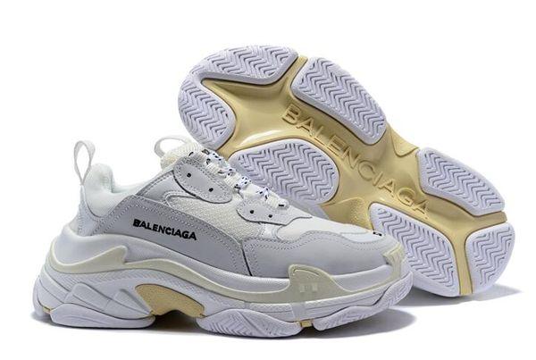 Yeni Paris luxurys Triple-S Siyah Beyaz tasarımcıları ayakkabıları Siyah krem sarı moda kutusu Balenciaga rahat ayakkabı spor ayakkabıları womens mens