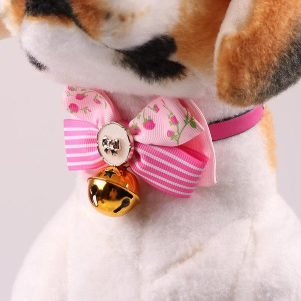 Nuovi collari di cane di Natale carino collari per animali con collane bowknot fascino collare PU collare per piccoli animali domestici Pet Supplies