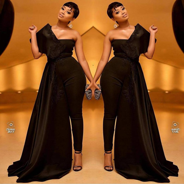 2019 Black Women Prom Jumpsuit con treno lungo Appliqued una spalla abito da sera in raso Custom Made Sweep Train Formal Party Gowns