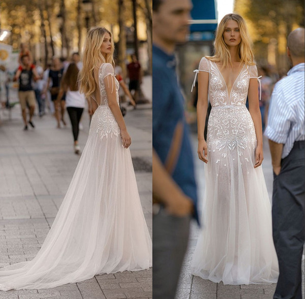 2019 Plunging V Neck Wedding Dresses Short Sleeve Bohemia Cut Backless Lace Appliques Tulle Bridal Gown Beach vestido de novia