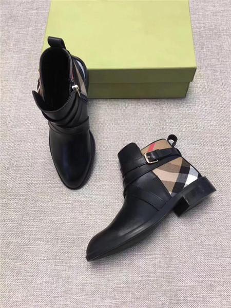 Ünlü bölünme düşük topuklu deri botlar ile savunucu modeli çek tarzı kadın ayak bileği çizmeler Yakışıklı klasik tarzı tasarımlar