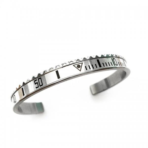 Bracelet ouvert tendance compteur de vitesse et de la mode masculine de cadran à l'échelle numérique femme accessoires classiques bracelet hommes femmes avec le même paragraphe