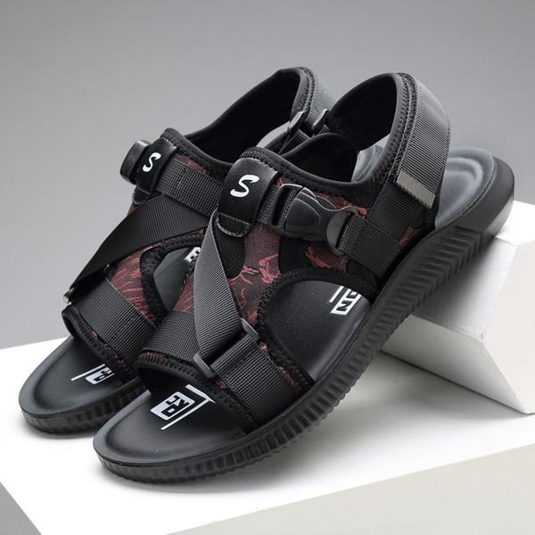 2019 printemps et été une variété de matériaux cousant de nouvelles sandales décontractée chaussures de plage tendance antidérapantes sandales sauvages