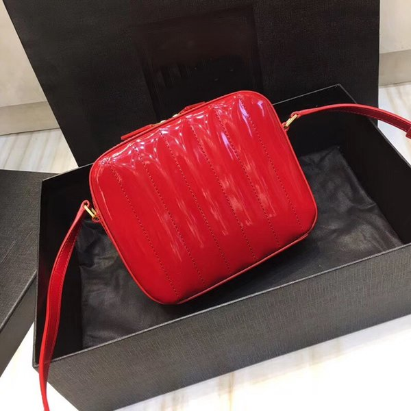 New style of 2019 fashion woman bag designer brand made of genuine sheep skin and paint leather lady cross body bag free shipping
