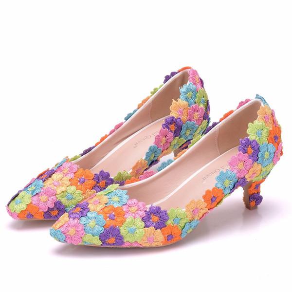Crystal Queen Women Elegant multicolor Lace Flowers Wedding Shoes Female 5cm High Heeled Bride Shoes Woman Plus Size 34-43 pumps