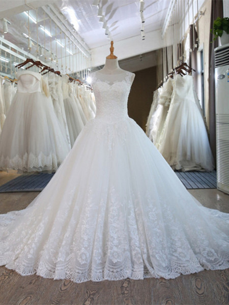 Vintage Arabic Ivory Lace Wedding Dresses 2019 Off Shoulders Sheer A Line Tulle Bridal Gowns with Button Covered