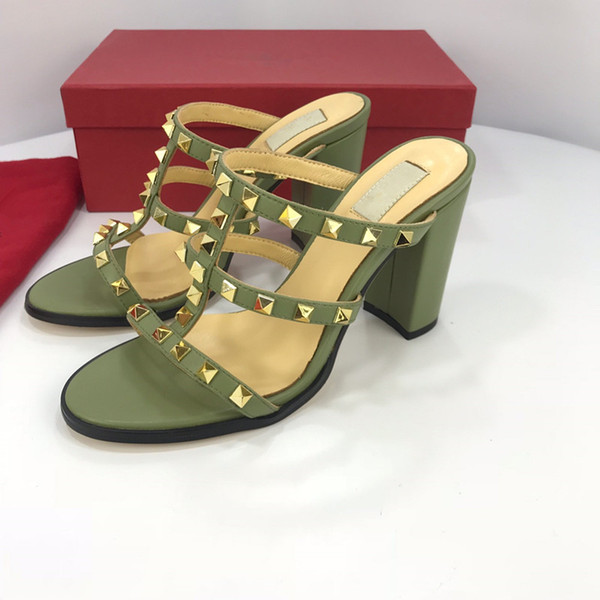 Newest Luxury Women Print Leather Sandal Striking Gladiator Style Designer Leather Outsole Perfect Flat Canvas Plain Sandal yz19012704