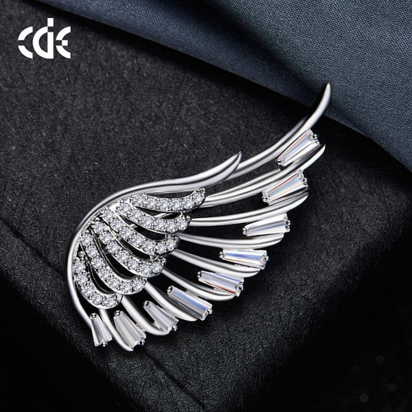 Angel wings brooch flower women's fashion pin big Europe and America cute cardigan accessories brooch gift
