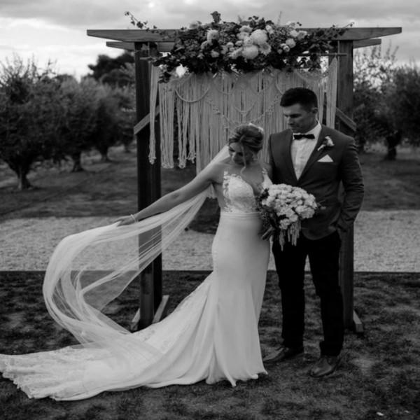 Phantasie Boho Land Brautkleider Australien Illusion Button Zurück Meerjungfrau Hochzeitskleid Appliques Herbst Garten Brautkleider 2019 Für Frauen