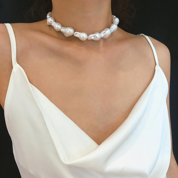 Simple Baroque Irrégulier En Forme De Perles D'imitation Collier Femelle 2019 Bijoux De Mode De Ras Du Cou De Colliers pour Femmes Nouvelle Arrivée