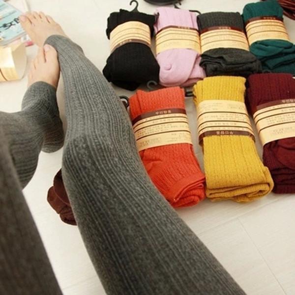 Die Gamaschen der heißen Verkaufs-Frauen wärmen Winter-warme dünne Gamaschen-Ausdehnung gestrickte starke Steigbügelfrauen Hosen