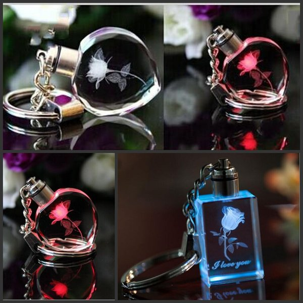 Diseño personalizado flor color de rosa Grabado Láser Llavero de Cristal LED Cambio de Forma de Corazón Colorido Pareja Regalo de Moda