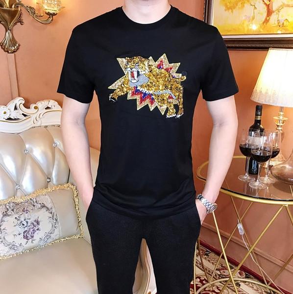 T-shirt do verão dos homens coreano em torno do pescoço de algodão t-shirt curto cavalo dos homens bordado LogoT roupas masculinas
