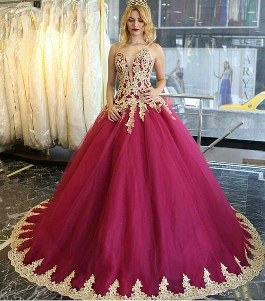 Querida vestido de baile quinceanera vestidos glamourosa de renda de ouro applique mangas de renda festa de formatura vestidos de baile fofo tule doce 16 vestido
