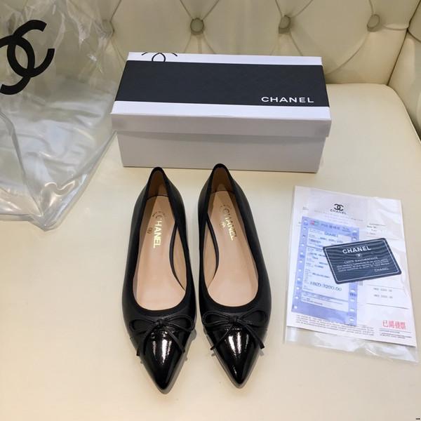 18ss womens sandals shoe Woman Genuine Leather Flat Shoes Fashion Hand-sewn Leather Loafers Female hole hole shoes Women Flats
