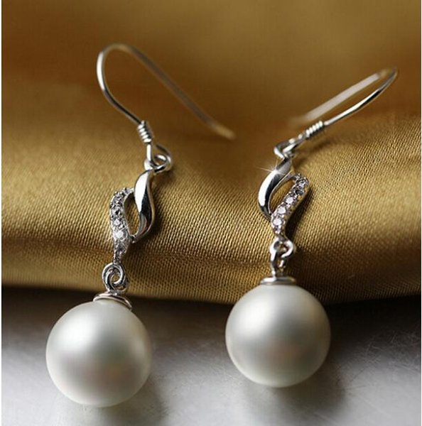 FREE SHIPPING Earrings Korean female temperament long of fresh artificial pearl ear hook thin