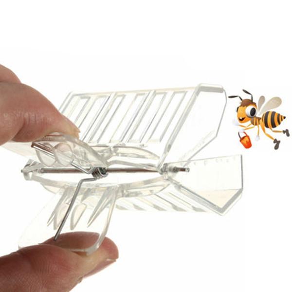 Fournitures pour animaux de ferme Transporteurs d'animaux de ferme en plastique Reine Cage Clip Bee Catcher Apiculteur Apiculture Outil Équipement XP0022