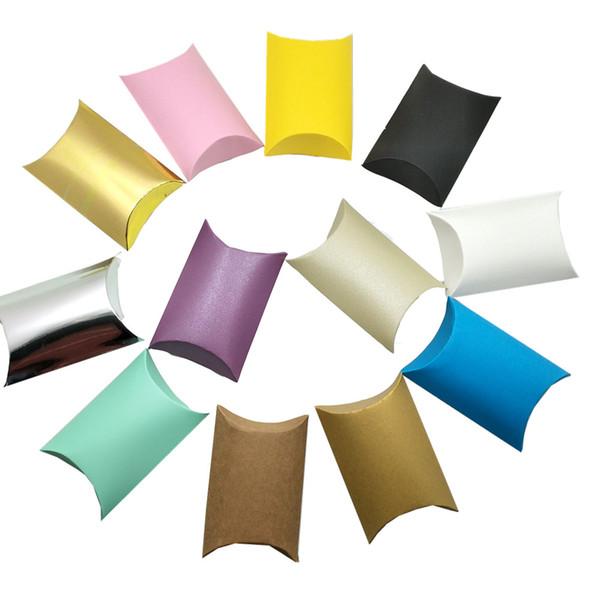 12 colori 9x6.5x2.5cm Kraft Paper Pillow Shape Pacchetto Box Pieghevole Festa di nozze Fornitura Scatola di immagazzinaggio Gioielli Regali Scatola di cartone Scatola di imballaggio