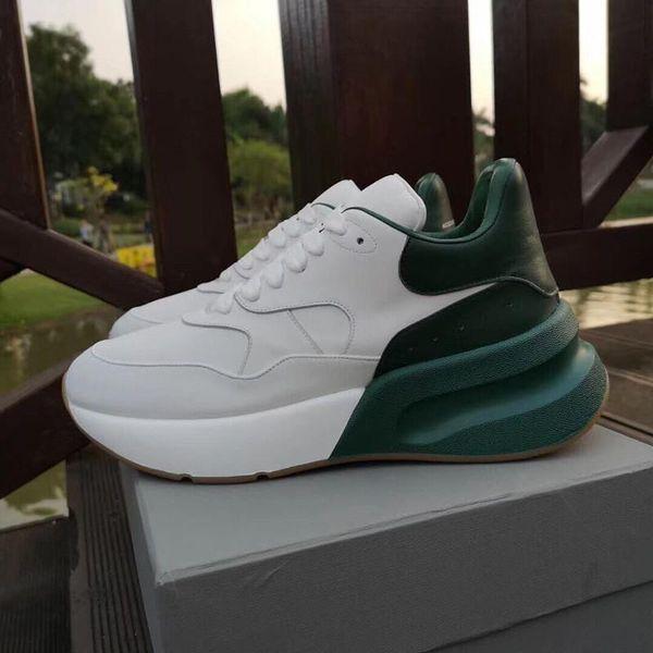 Yeni Sezon Tasarımcı Ayakkabı Moda Lüks Kadın Ayakkabı Erkek Deri Lace Up Platformu Boy Sole Sneakers Siyah Beyaz Günlük Ayakkabılar m18903