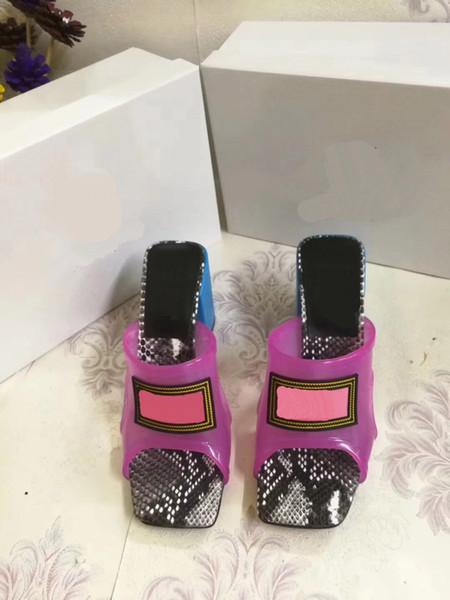 Nuevas sandalias de goma de verano para mujeres de diseño, zapatillas de playa, zapatillas de tacón alto de moda, zapatos de interior talla 35-42, caja de cinturón