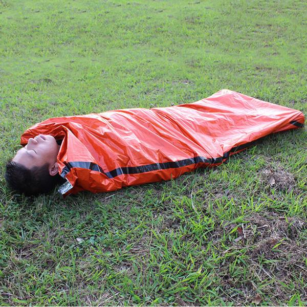 Sacs de couchage en plein air Sacs de couchage d'urgence portatifs Sac en polyéthylène léger pour la randonnée en camping