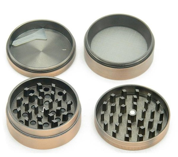 A New Four-Layer Zinc Alloy Ancient Copper Flat Smoke Grinder 50MM in Diameter Portable Metal Smoke Crusher
