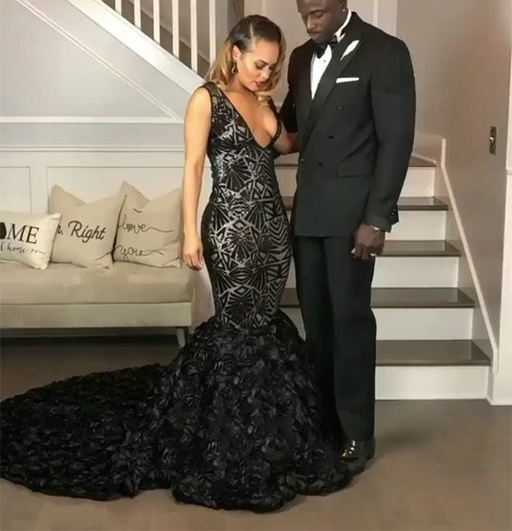 2019 Sexy Plunging V Neck Prom Dresses Black Girls Sweep Train Plus Size Party Dress Lace Mermaid Evening Gowns Cheap DP0364