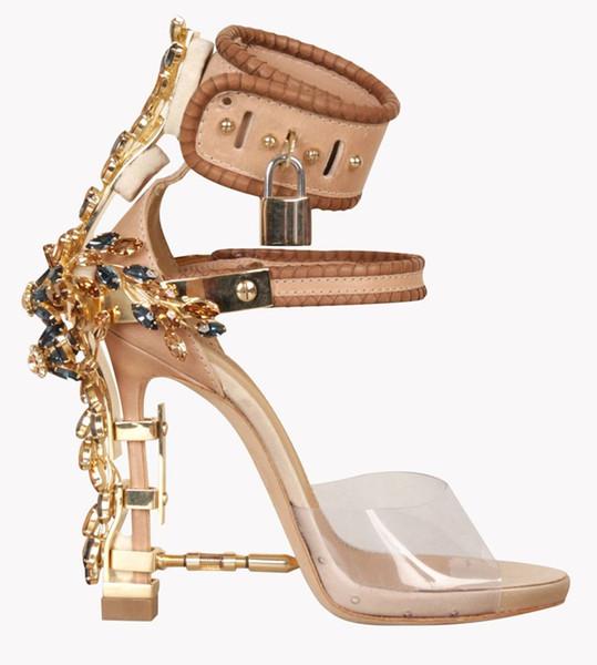 Yaz Lüks Garip Topuk Kristal Tasarımcı Ayakkabı Kadın PVC Yüksek Topuk Sandalet 2019 Asma Kilit Ayak Bileği Kayışı Rhinestone Sandalet
