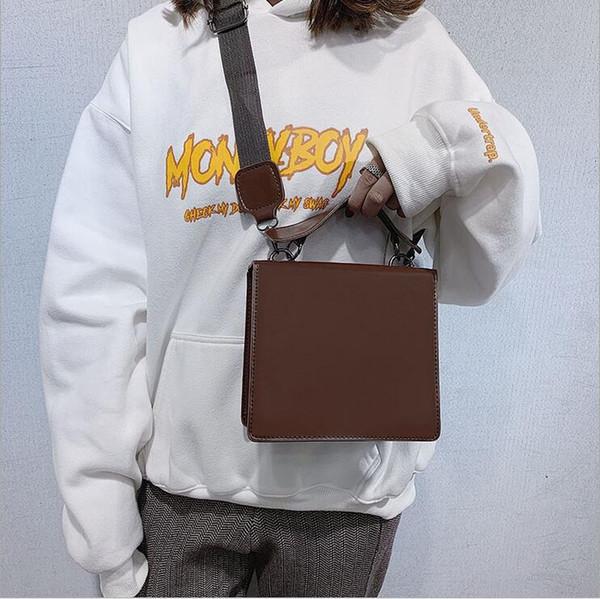 Новый 2019 осенью и зимой чистый красный конверт новая сумка плеча ретро ретро сумка женская сумка бесплатная доставка