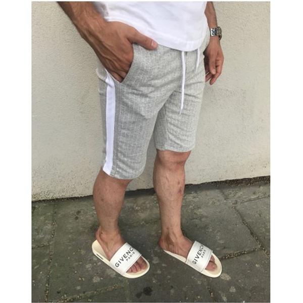 calça curta cinza
